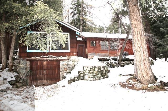 9494 Rock Dr, Forest Falls, CA 92339