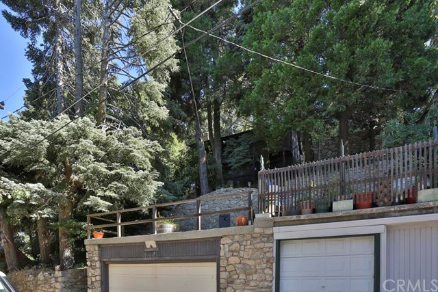25143 Grand View Drive, Crestline, CA 92325