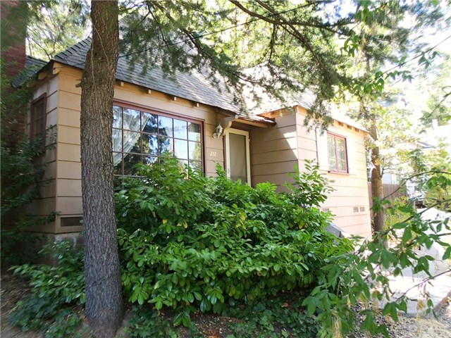 212 Maple Drive, Lake Arrowhead, CA 92352
