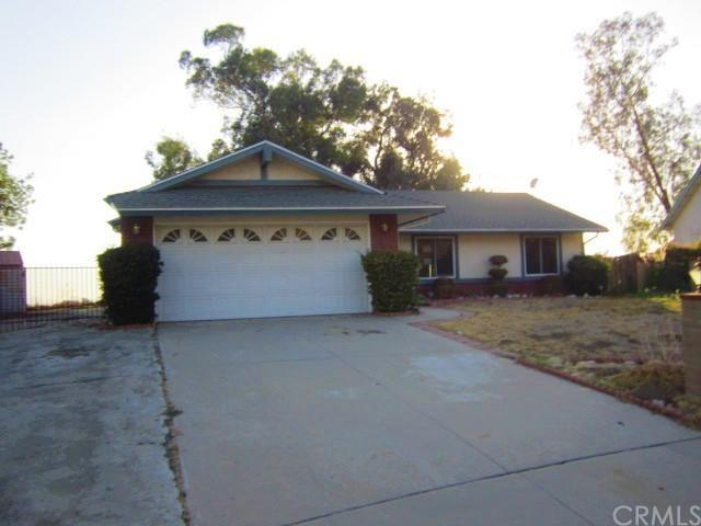 2874 Pepper St, Highland, CA 92346