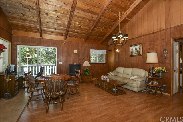 27448 Nancy Drive, Lake Arrowhead, CA 92326