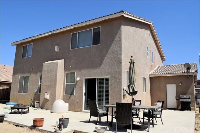 13636 Dellwood Rd, Victorville, CA 92392