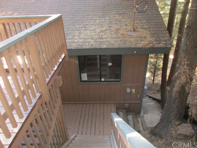 537 W Victoria Court, Lake Arrowhead, CA 92352