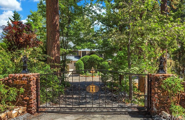 27802 Hamiltair Drive, Lake Arrowhead, CA 92352
