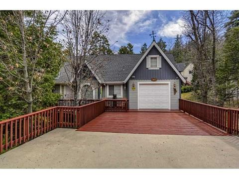 607 Pioneer Rd, Lake Arrowhead, CA 92352