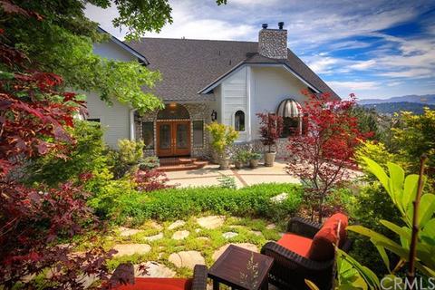 26077 Walnut Hills Dr, Lake Arrowhead, CA 92352
