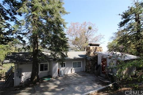 31964 Pine Cone Dr, Running Springs, CA 92382