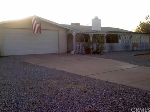 10758 Navajo Rd, Apple Valley, CA 92308