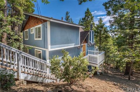 375 Grizzly Rd, Lake Arrowhead, CA 92352