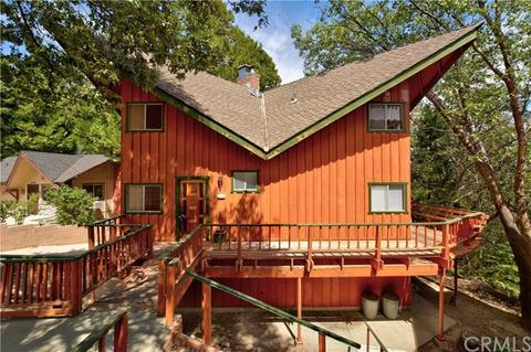 295 Squirrel Dr, Twin Peaks, CA 92391