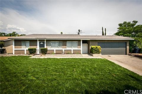 840 Falcon Ln, Redlands, CA 92374