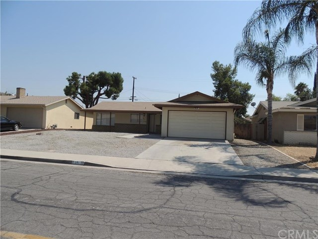 241 Ruby Avenue, Hemet, CA 92543