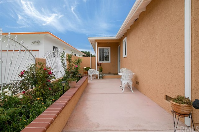 1422 S Rosewood Avenue, Santa Ana, CA 92707
