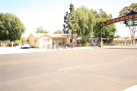 1451 6th St, Norco, CA 92860