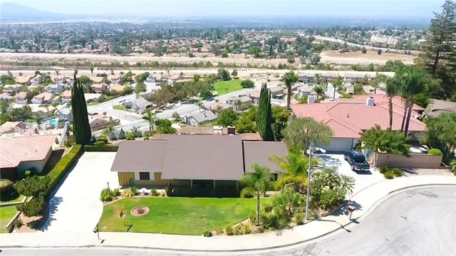 28341 Carriage Hill Drive, Highland, CA 92346