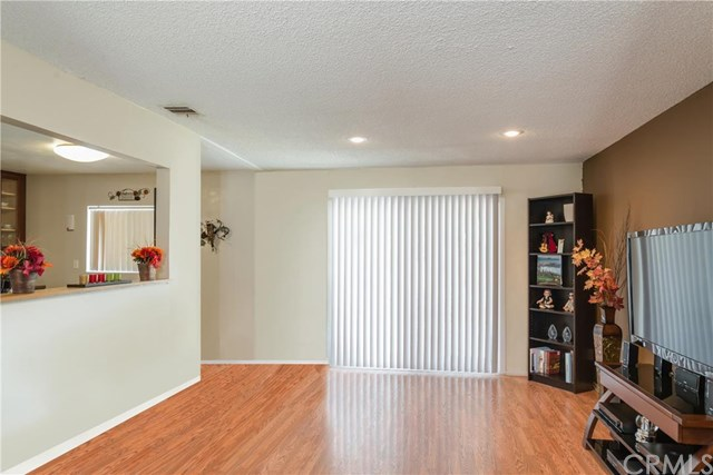 6861 Glendale Ave, Riverside, CA 92503