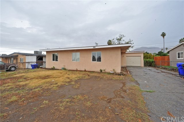 26992 Messina St, Highland, CA 92346