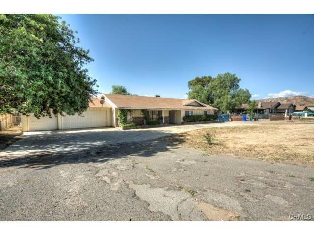 10554 Cypress Ave, Riverside, CA 92505
