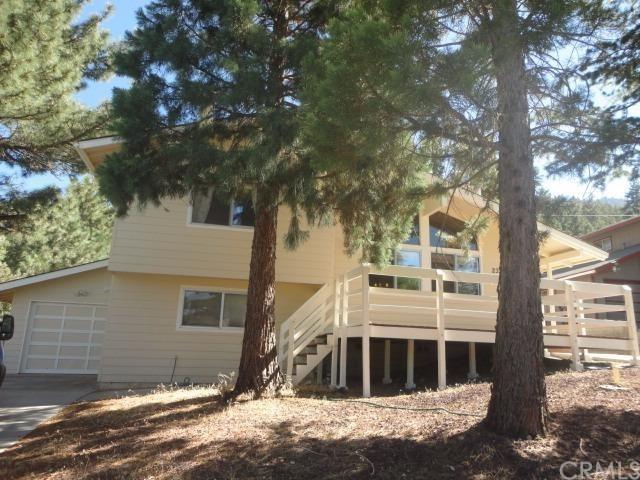 2335 E Canyon Dr, Wrightwood, CA 92397