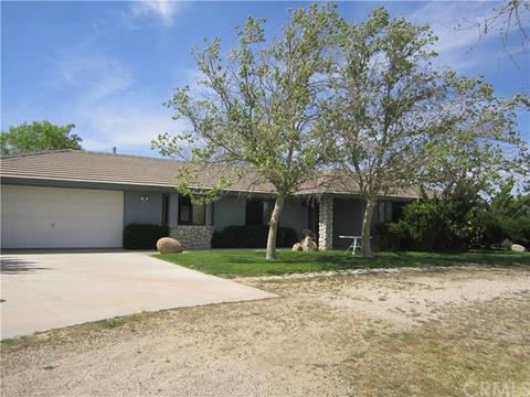 8568 Smith Rd, Phelan, CA 92371