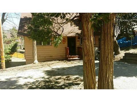 301 Chipmunk Dr, Lake Arrowhead, CA 92352