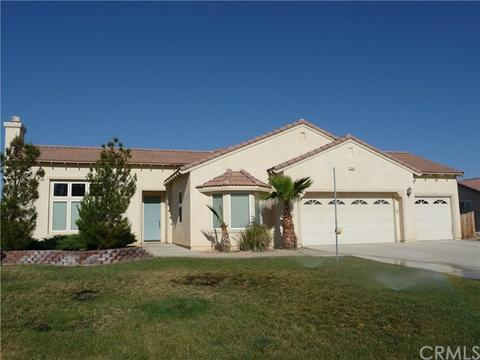 12640 Yorkshire Dr, Apple Valley, CA 92308