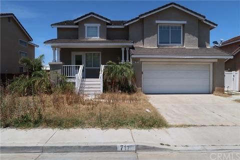 717 Viewtop Ln, Corona, CA 92881