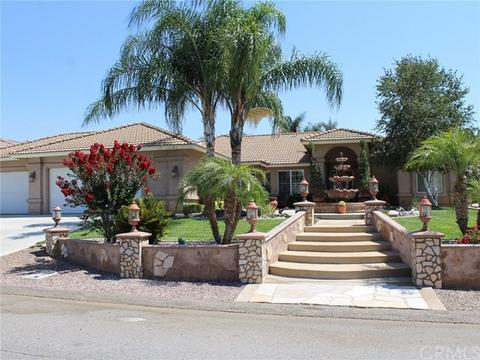14393 Dove Canyon Dr, Riverside, CA 92503