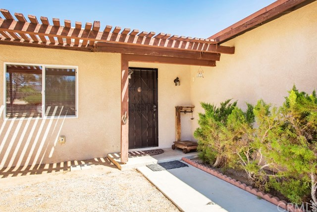 61542 Adobe Drive, Joshua Tree, CA 92252