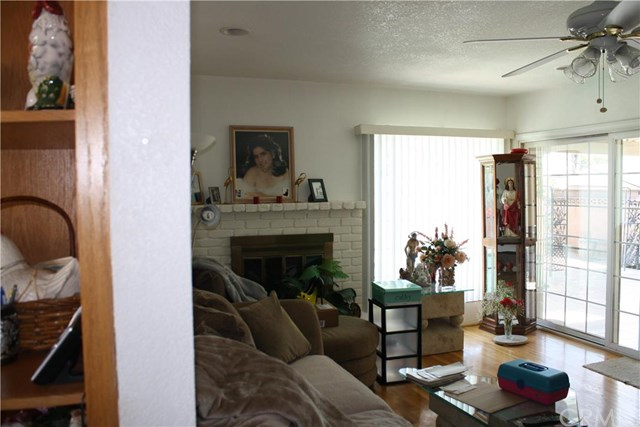 8364 Wystone Avenue, Northridge, CA 91324