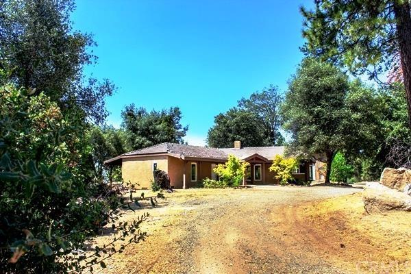 2748 Cricket Hill Rd, Mariposa, CA 95338