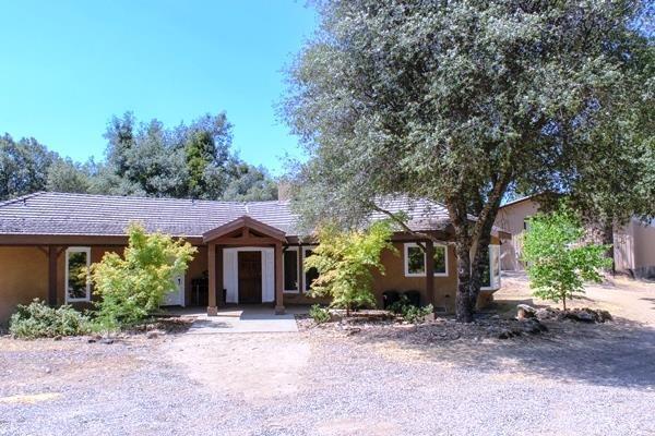 2748 Cricket Hill Road, Mariposa, CA 95338