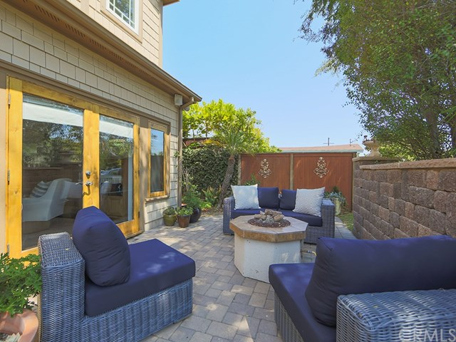 250 Cecil Place, Costa Mesa, CA 92627