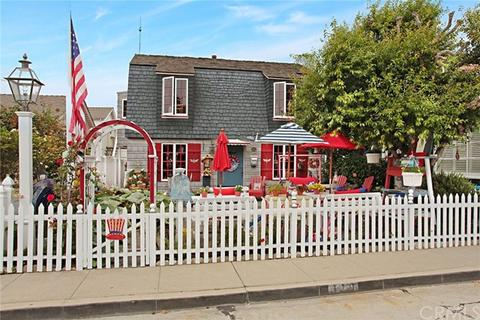 119 Crystal Ave, Newport Beach, CA 92662