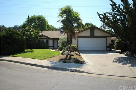 1718 Willowbank Ln, Paso Robles, CA 93446