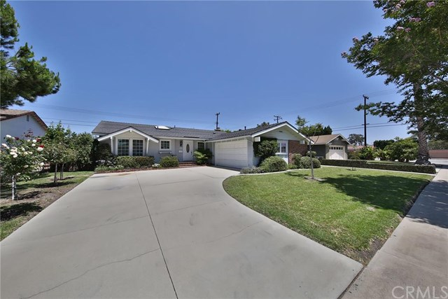 6461 Hughes Dr, Huntington Beach, CA 92647