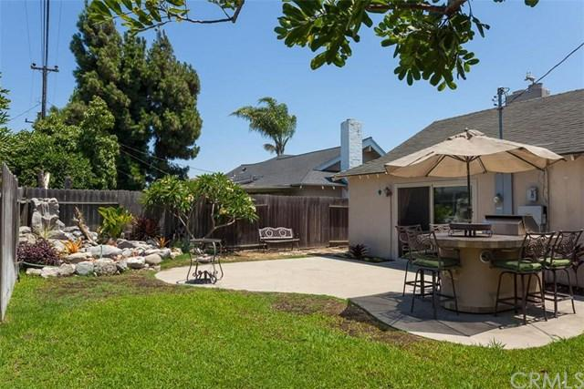 5831 Middlecoff Dr, Huntington Beach, CA 92649