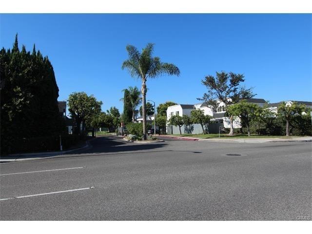 11331 Parkgreen Ln #105, Garden Grove, CA 92843
