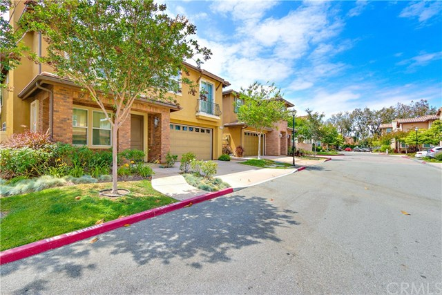 2107 Canyon Circle, Costa Mesa, CA 92627