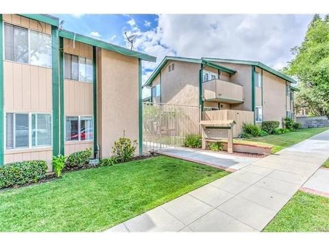 1865 Stanley Ave #4, Signal Hill, CA 90755