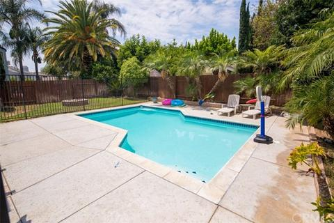 8041 Townsend Dr, Riverside, CA 92509