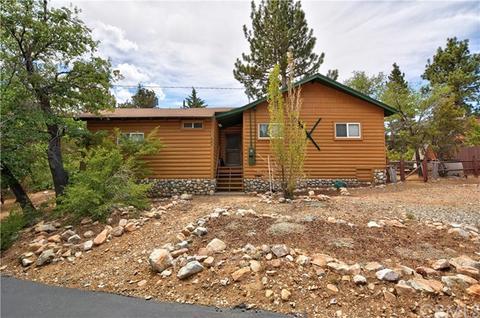 687 Villa Grove Ave, Big Bear City, CA 92314