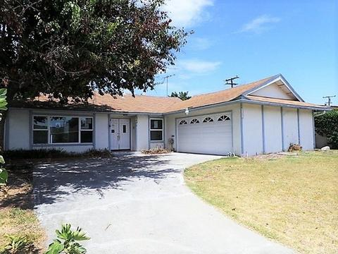 6701 Melbourne Dr, Huntington Beach, CA 92647
