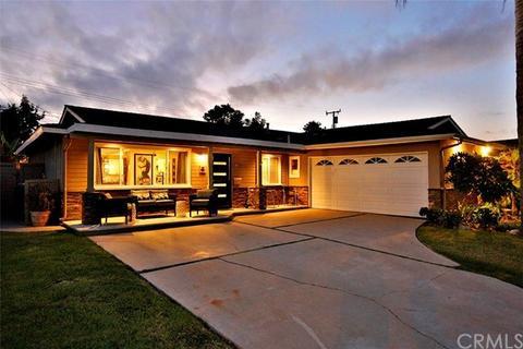 15931 Feola Cir, Huntington Beach, CA 92647