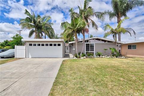 9661 Hillview Rd, Anaheim, CA 92804