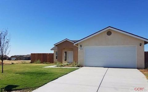 5510 Sawgrass Ct, Wasco, CA 93280