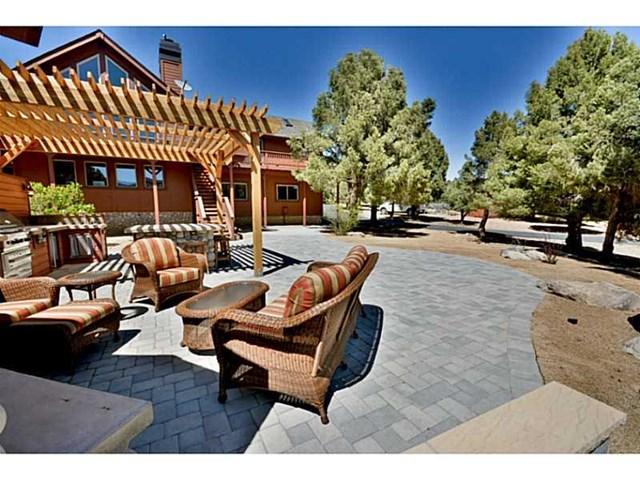 47080 Lakeview Drive, Big Bear City, CA 92314