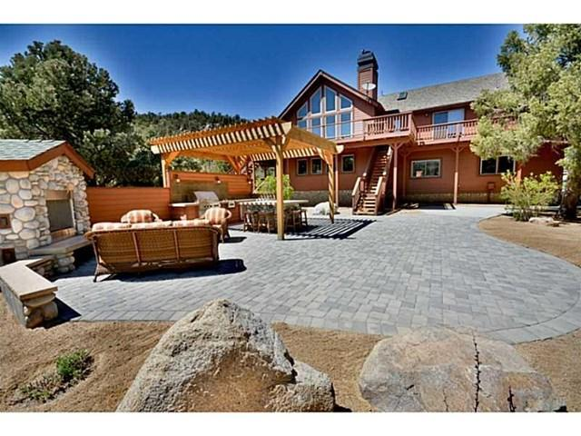 47080 Lakeview Dr, Big Bear City, CA 92314