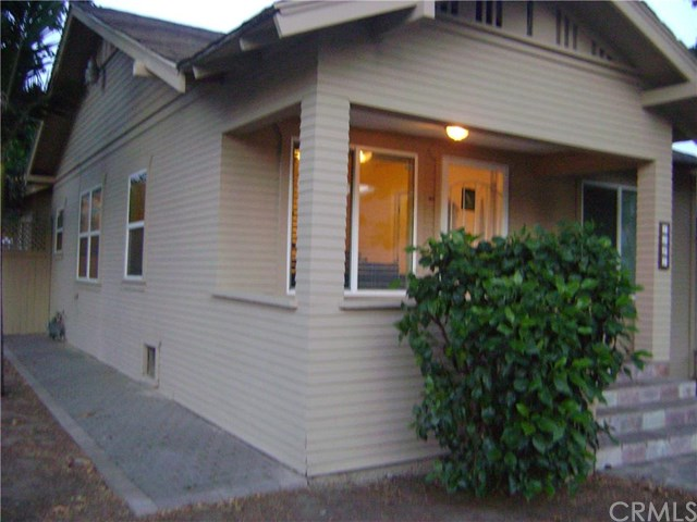 1021 N Ross Street, Santa Ana, CA 92701