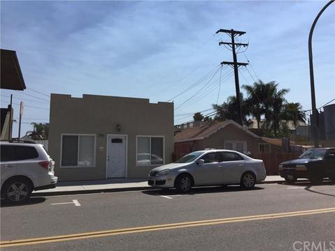 216 Walnut Ave, Huntington Beach, CA 92648